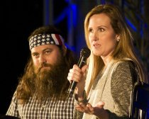 willie and korie robertson in LR at spark of life fundraiser